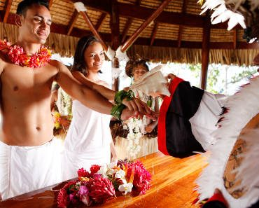 BORA-BORA-TRADITIONAL-WEDDING