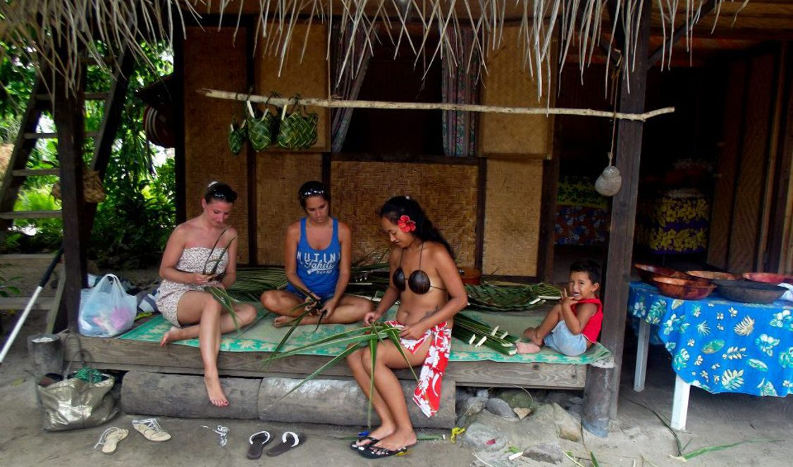 cultural tour with locals in Moorea French Polynesia