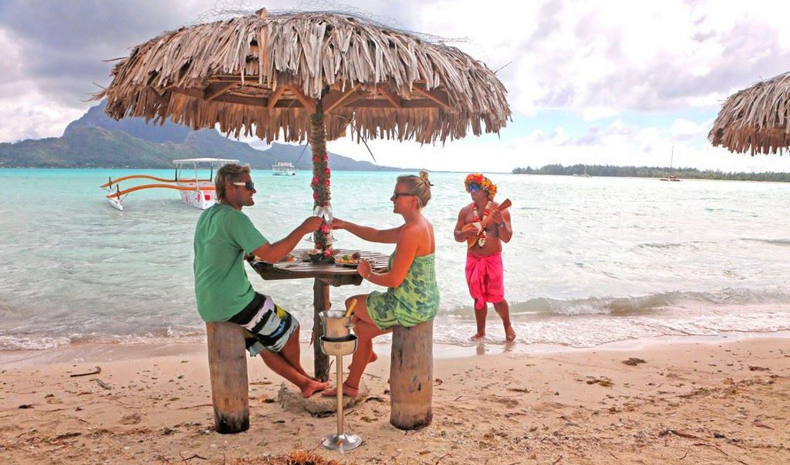 lunch on an islet tour during your vacation in bora bora