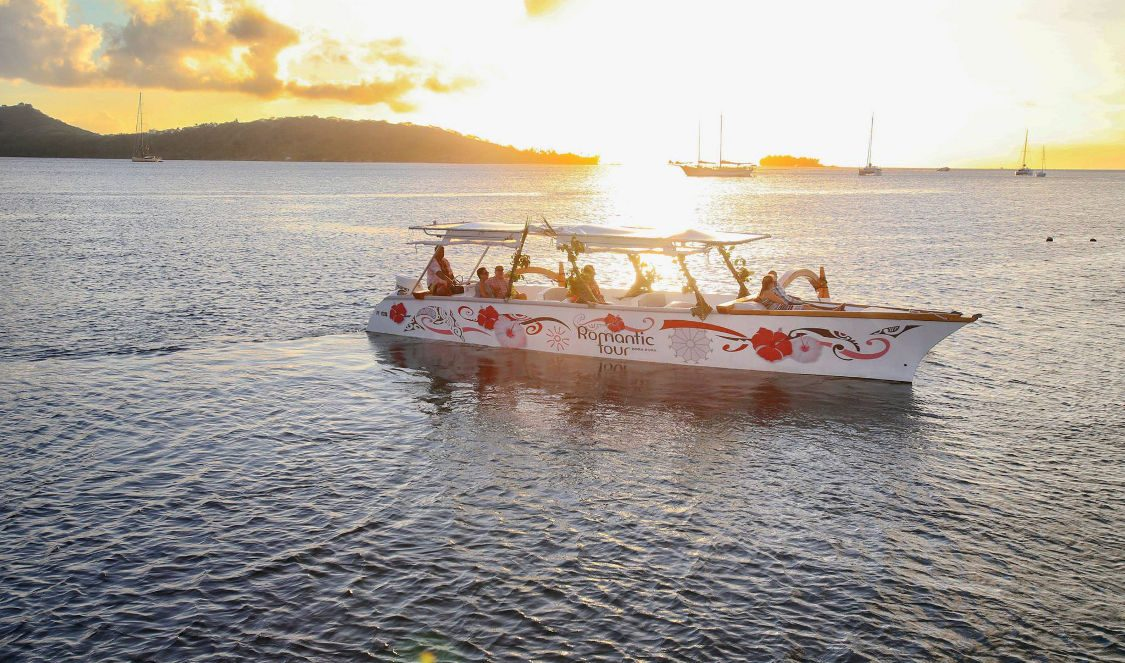 sunset cruise in bora bora lagoon during your holiday