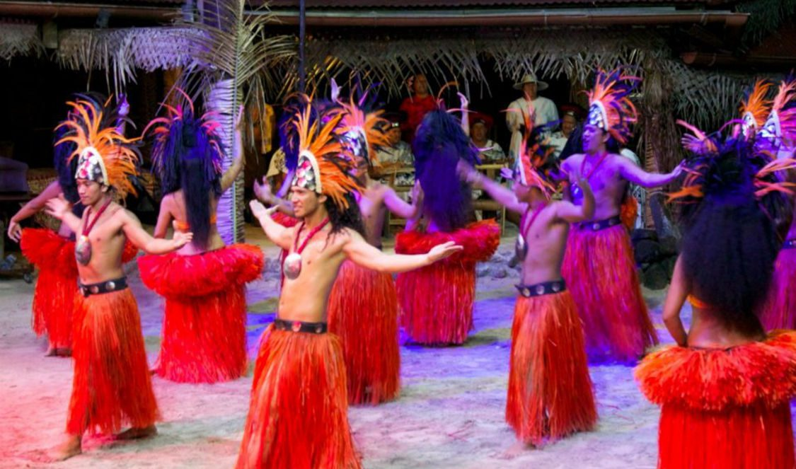 tahitian dance show in moorea during your vacation