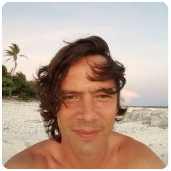 Teiva travel consultant at easyTahiti.com