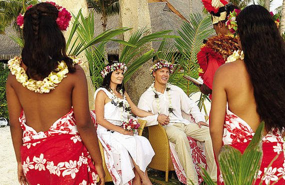 tahitian wedding ceremony at four seasons bora bora